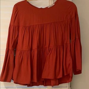Madewell swing top with button back